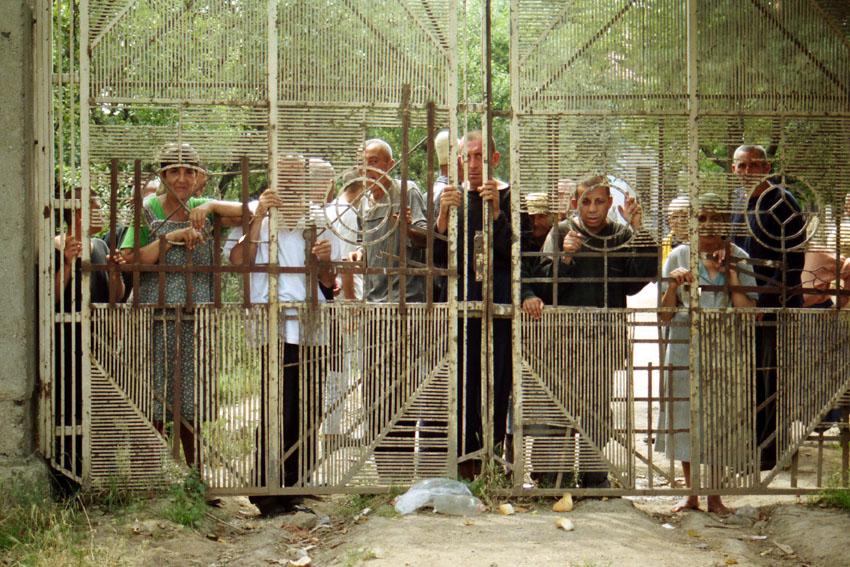 Eine Psychiatrische Einrichtung im Kosovo - ein Elendslager. Bild: A. Ellinger