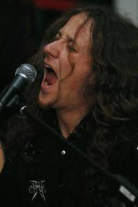 """""""Deathtiny""""-Sänger und Gitarrist Dennis Buffing. Bild: A. Ellinger"""